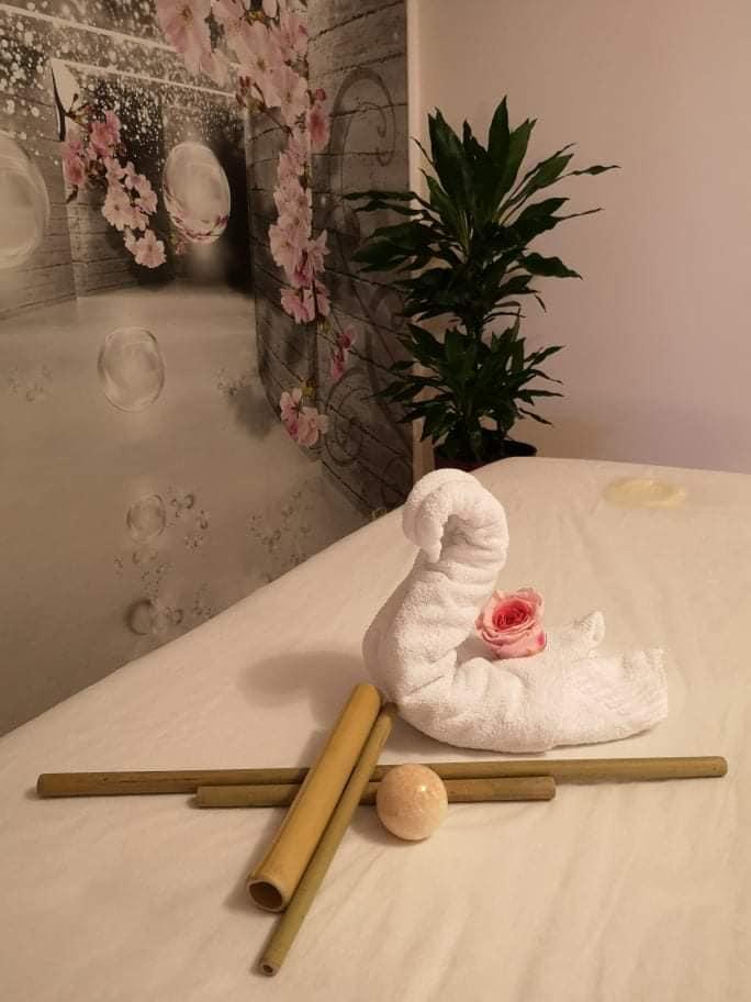 Cabinetul de masaj cu bambus in Centrul Good Vibes